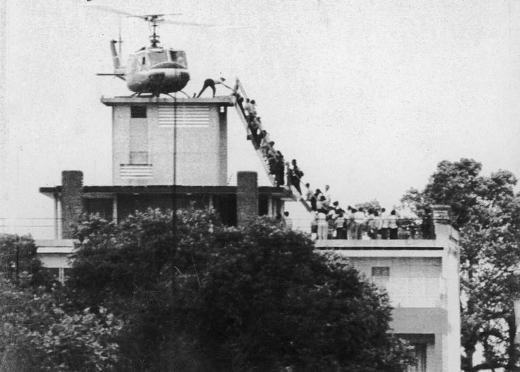 Saigon, 29 april 1975 - wachtenden genoeg voor deze helikopter