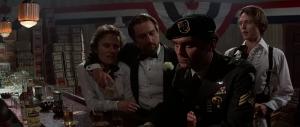 Nick, Steven en Michael ontmoeten een Green Beret voor hun vertrek naar Vietnam