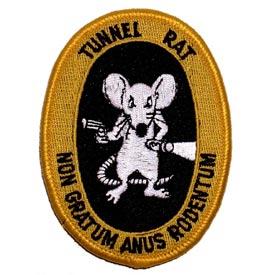 Het embleem en motto van de tunnelratten
