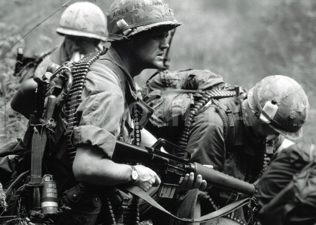 American-rifleman-vietnam-war-1973
