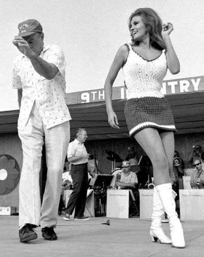 Bob Hope en Raquel Welch