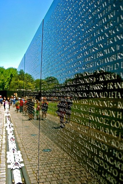 Vietnam War Veterans Memorial (6)